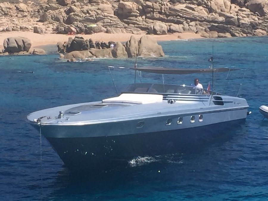 Boat with Canopy & Boat with Canopy - Magnum Marine